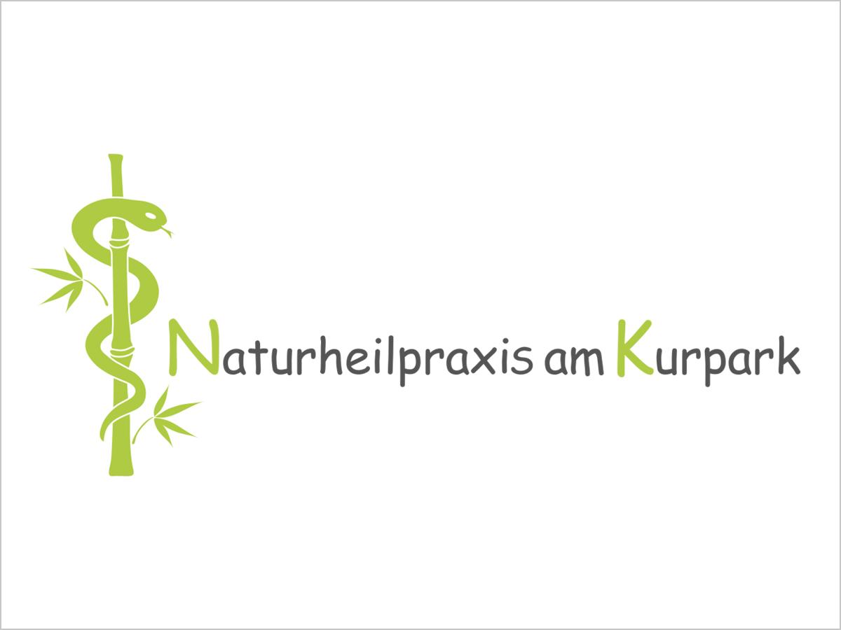 Das Logo der Naturheilpraxis am Kurpark in Bad Krozingen | © debeuf grafikdesign